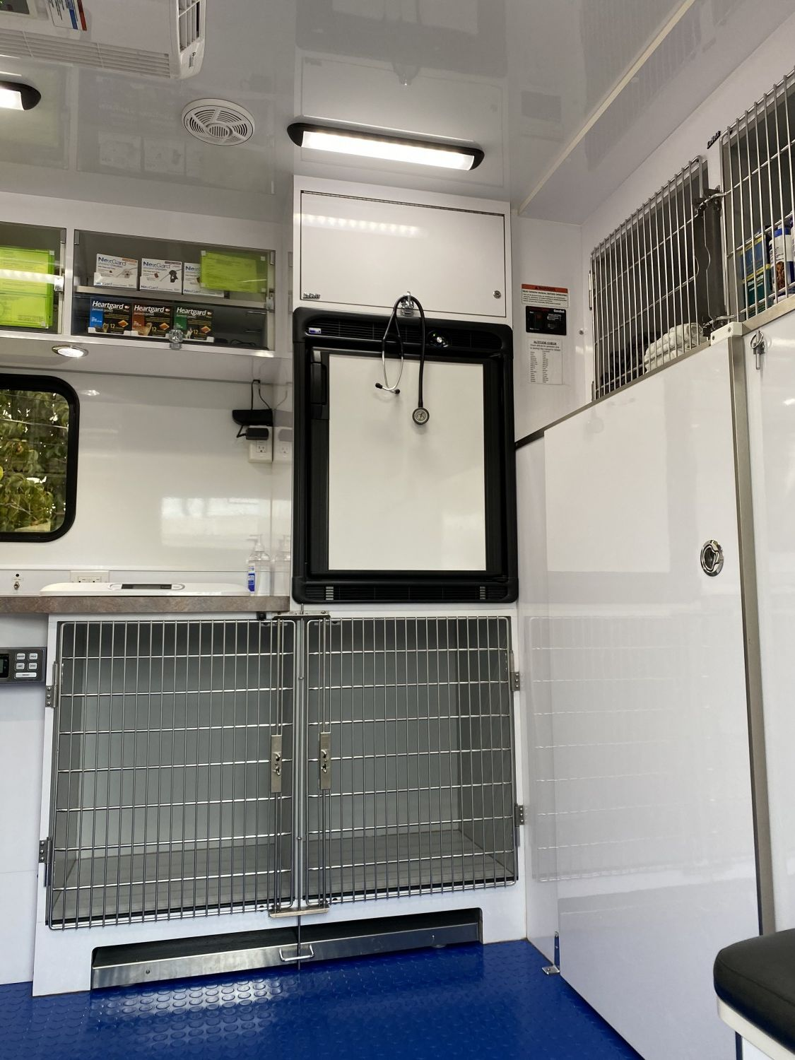 We're keeping your medicines cold and providing a cozy resting spot for your pets during their short visit inside Dale Veterinary Mobile Clinic - Windward Oahu. We care for all types of pets : guinea pigs, rabbits, cats, dogs, chinchillas, lizards, turtles, tortoises, chickens, ducks, sheep, goats...